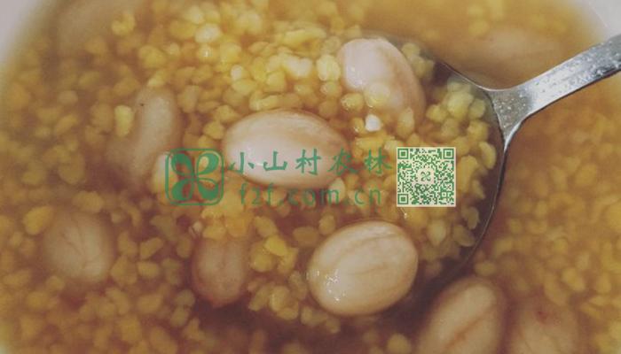 小米花生粥图片