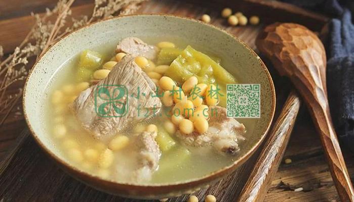 猪骨黄豆苦瓜汤图片